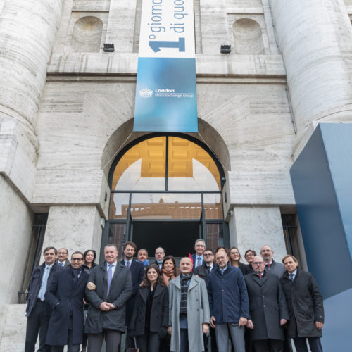 In front of Palazzo Mezzanotte, Borsa Italiana, the top managers of Aquafil all together for the great day.