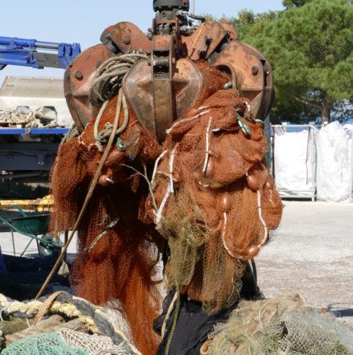 Nakladanje odsluženih mrež in odvoz v AquafilSLO, foto: Gorazd Šinik